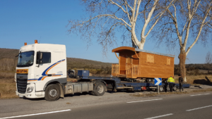 transport roulotte sur camion