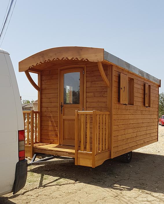 roulotte mobile by stef menuisier by stef menuisier. Black Bedroom Furniture Sets. Home Design Ideas