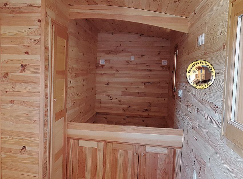 Roulotte chambre pour ado, amis chambre d'hôtes avec salle de bain By Stef menuisier.