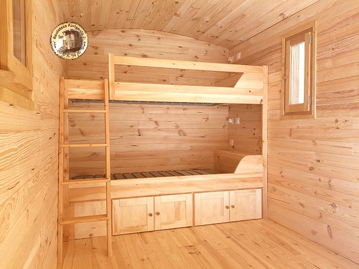 Agencement sur mesure roulotte chambre avec lits superposés 90 ou 120 cm.